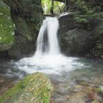 水神の滝全景