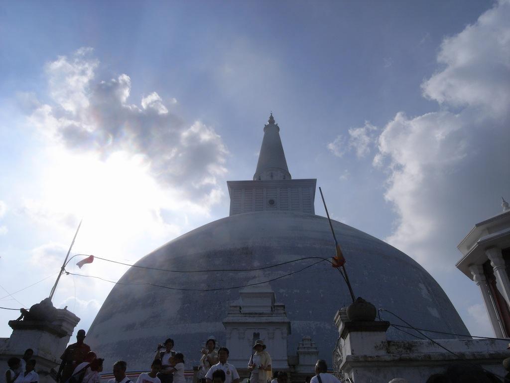 仏塔(ダーガバ)